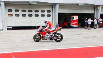 MotoGP: Partiti! Stoner già in sella alla GP18 a Sepang