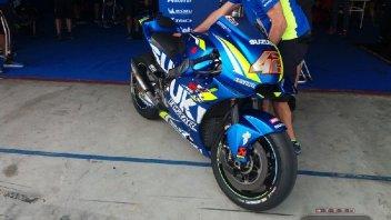 MotoGP: Suzuki sfoggia la nuova carena in stile Ducati GP17