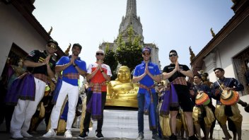 MotoGP: Riders play tourist in Bangkok ahead of Buriram tests