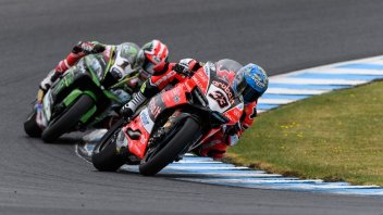 SBK: Magic Melandri, battles Rea to win in Race 2