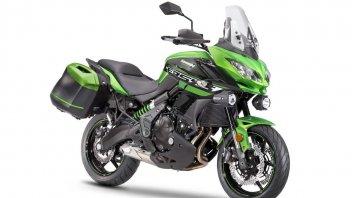 Moto - News: Kawasaki Versys 650: in regalo il kit Tourer Plus