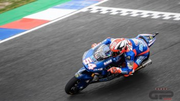 Moto2: Pasini, double blow: victory and first in the standings