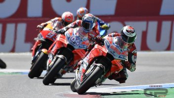 """MotoGP: Lorenzo: """"hit at 200 km/h, I was lucky to stay upright"""""""