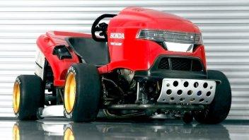 Moto - News: Honda Mean Mower V2... e pettini il prato a 250 Km/h