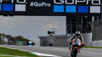 Moto2: FP3: pioggia su Silverstone, Schrötter rimane in vetta