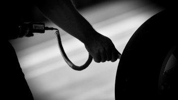 MotoGP: Silverstone: Michelin racing 'in the dark'