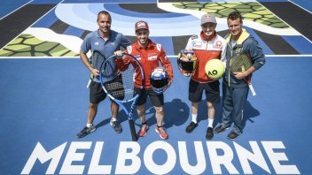 MotoGP: Dovizioso e Miller: sfida a colpi di tennis a Melbourne