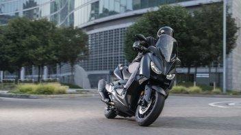 EICMA: Yamaha X-Max Iron Max: gli scooter si fanno più esclusivi