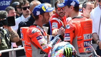 MotoGP: Dovizioso-Lorenzo: no hand shake at EICMA