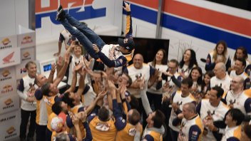 MotoGP: VIDEO. Festa in Honda: il lancio del Pe... drosa