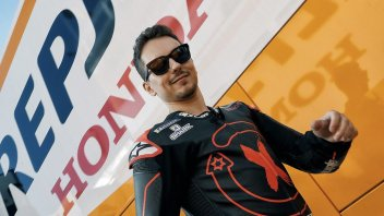 ": Ezpeleta: ""Jorge Lorenzo has fractured his scaphoid"""