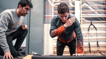 MotoGP: Marc Marquez brucia le tappe per i test di Sepang