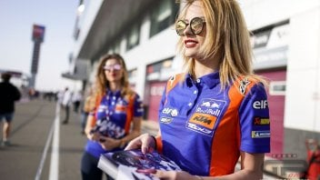 MotoGP: GP of Qatar, Umbrella Girls