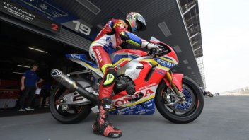 "SBK: Camier: ""A Honda serve una Superbike stile MotoGP"""