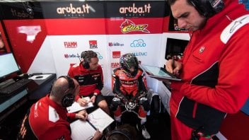 "SBK: Davies: ""I've turned the bike upside down to find the way"""