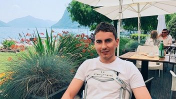 MotoGP: Lorenzo in convalescenza vista lago