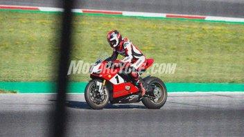 News Prodotto: SCOOP: In arrivo una Ducati V4 'celebrativa'? Ecco le foto rubate