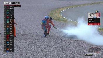Moto2: FP2: Alex Marquez cade e fa il pompiere al Sachsenring