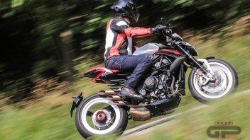 Moto - Test: MV Agusta Dragster 800 RR: il diavolo è nei dettagli