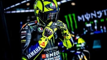 "MotoGP: Valentino Rossi: ""I have to risk everything in the first few turns"""