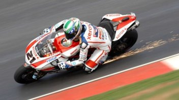 """MotoGP: Da Silverstone vietato """"fare scintille"""" in pista"""