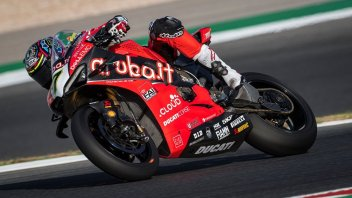 "SBK: Davies: ""The bike was difficult to ride, then the problem."""