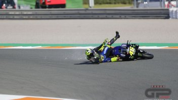 MotoGP: PHOTO. Valentino Rossi grants the encore... of crashes