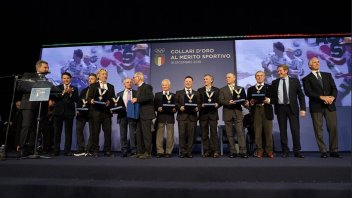 News: Consegnati da Conte e Malagò i 'Collari d'Oro' agli iridati della moto