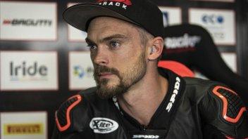 SBK: Leon Camier operato con successo alla spalla: pronto per l'Australia