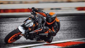 Moto - News: KTM Duke 890 R, le prime immagini in pista [VIDEO]