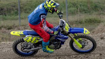 MotoGP: Rossi forgets the past and goes back to training on a motocross bike
