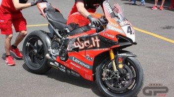 SBK: Phillip Island: Scott Redding e la Ducati V4 a terra!