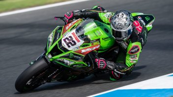 SBK: Magico Lowes! Trionfa davanti a Rea in Gara 2, 3° Redding