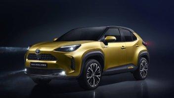 """Auto - News: Toyota Yaris Cross, la """"piccola"""" prende le vitamine e si fa SUV"""