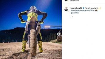 MotoGP: Valentino Rossi si allena anche di notte! Le foto del Ranch by night
