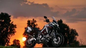Moto - News: Nuova livrea per la Ducati Multistrada 950s: sapore di MotoGP