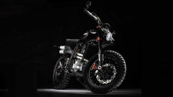 Moto - News: CCM Spitfire Blackout 600, la diva di The Black Widow