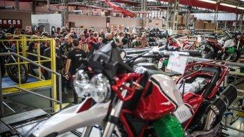 Moto - News: Moto Guzzi: per i 100 anni, la riqualifica della fabbrica di Mandello del Lario