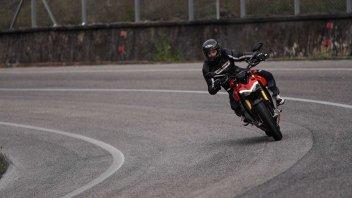 Moto - Gallery: Ducati Streetfighter V4S vs KTM 1290 Super Duke R: la sfida
