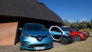 Auto - News: Renault è leader nell'elettrificazione e amplia la gamma E-TECH