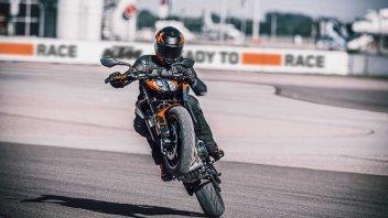"Moto - News: KTM 890 Duke 2021, ""il bisturi"" è ancora più affilato"