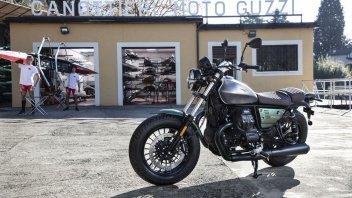 """Moto - News: Moto Guzzi: """"Porte Aperte"""" del Centenario, come scoprire da vicino la gamma 2021"""