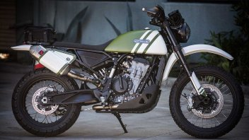 Moto - News: KTM790 Urban Assault: Roland Sands regala look da Mad Max all'enduro austriaca