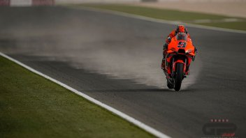 MotoGP: Petrucci fa la Dakar con la KTM MotoGP: tempesta di sabbia in Qatar