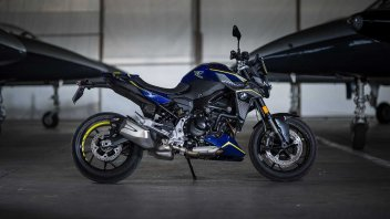 Moto - News: BMW F 900 R Force: la special per patente A2 in serie limitata