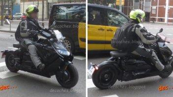 Moto - Scooter: BMW CE 04: la foto spia del prossimo scooter elettrico tedesco