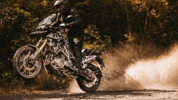 Moto - News: Triumph Tiger 1200: le foto della 2022 con motore Speed Triple
