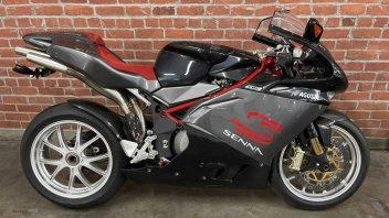 Moto - News: MV Agusta F4 1000 Senna: uno dei 300 esemplari va all'asta