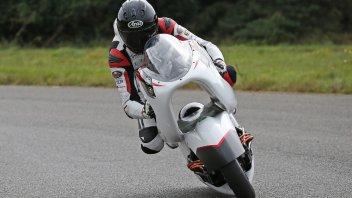 Moto - News: White Motorcycle Concept, test superati per l'elettrica da 400 km/h