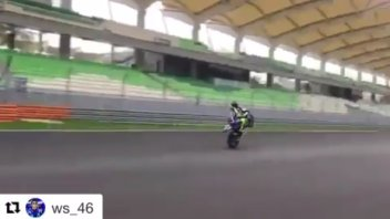 The last wheelie of the season of Valentino Rossi